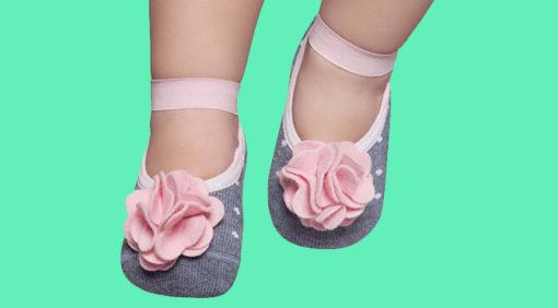 Calcetines antideslizantes para bebé niña
