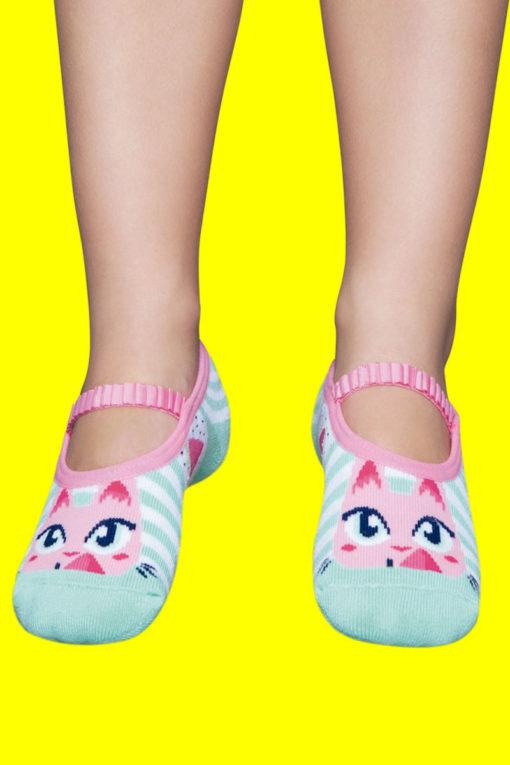 Calcetines con suela de goma para niñas